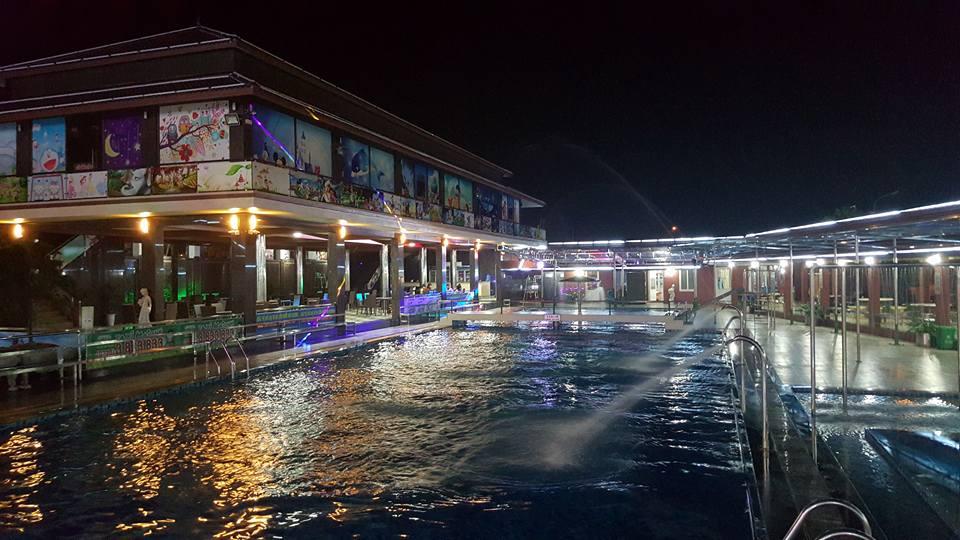Hình ảnh bể bơi thái HD trong đêm