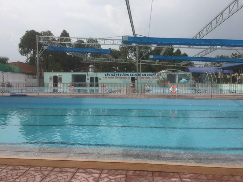 Hình ảnh bể bơi gia đình anh Tình