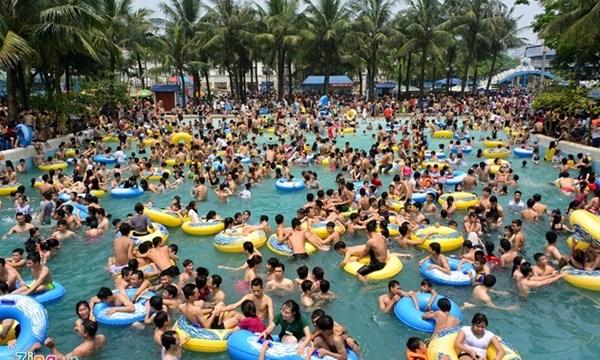 Bể bơi công cộng