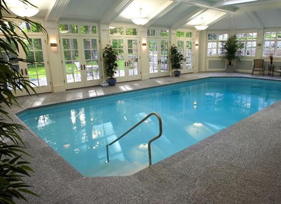 Bể bơi kinh doanh