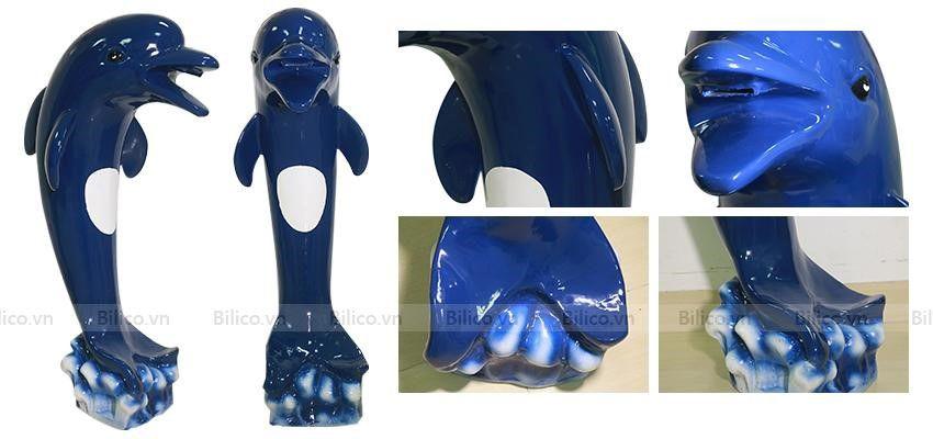 Hình ảnh cá heo phun nước