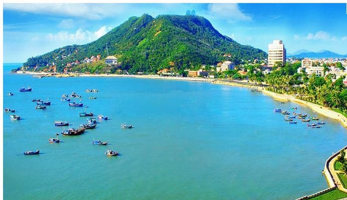 Bà Rịa Vũng Tàu  thu hút khách du lịch bởi những bãi biển đẹp
