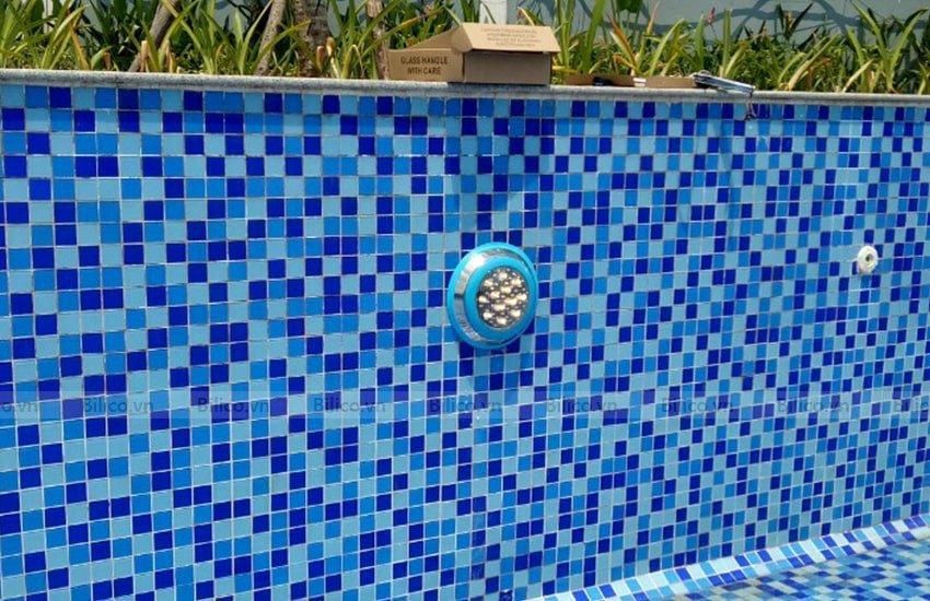 Ứng dụng Đèn LED vàng trang trí bể bơi TF12 - 12Y