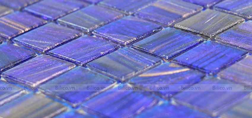 gạch Mosaic E705 màu xanh đạm làm chủ đạo