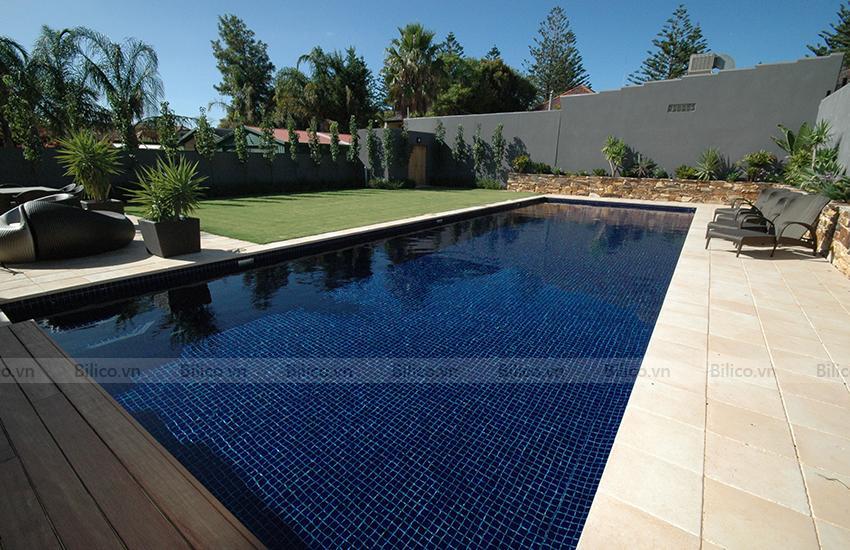 Ứng dụng gạch Mosaic E705 ốp lát bể bơi