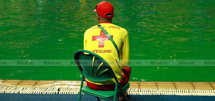 Bể bơi cần xử lý bằng oxy già công nghiệp