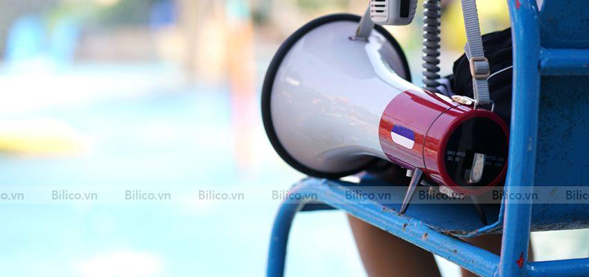 Ứng dụng loa cứu hộ cầm tay tại bể bơi