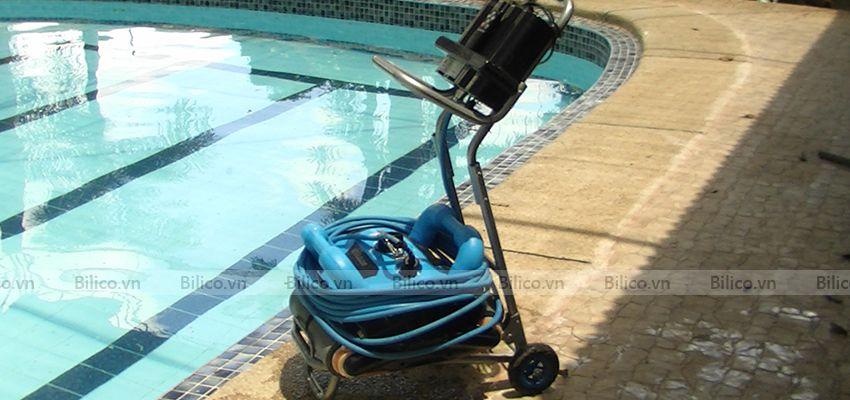 Ứng dụng robot icleaner 200 vệ sinh bể bơi